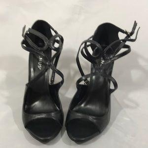 Venus woman's shoes 9m